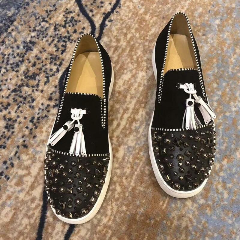 فاخر موضة مصمم أحذية الزفاف للرجال الأسود شرابات مع المسامير حذاء مسطح رجل فستان حفلة موسيقية رسمي حذاء رسمي