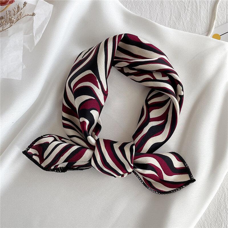 2021 platz Silk Schal Frauen Mode Druck Kleine Neck Schals Büro Dame Haar Band Foulard Hand Kopftuch Weibliche Bandana Schal