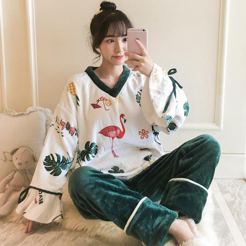 Pijamas de terciopelo Coral para mujer, traje grueso cálido y bonito de franela, ropa de casa para estudiantes de flamenco, Otoño e Invierno