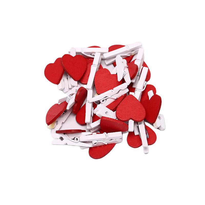 20Pcs Carino Mini Rosso A Forma di Cuore di Legno Photo Paper Pinze Memo titolare Della Decorazione Della Casa Pinze Accessori Per Ufficio
