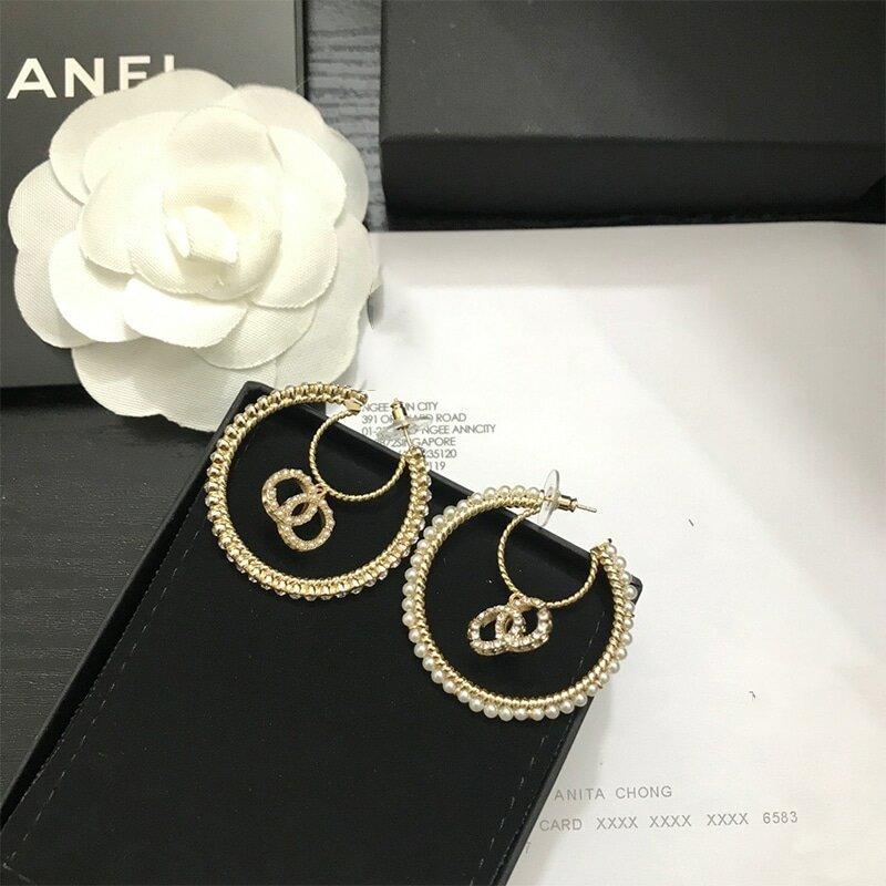 جديد الأصلي مصمم ماركة فاخرة رسالة Cc و D موضة أقراط و قلادة للنساء عالية الجودة Vintage مجوهرات مع شعار