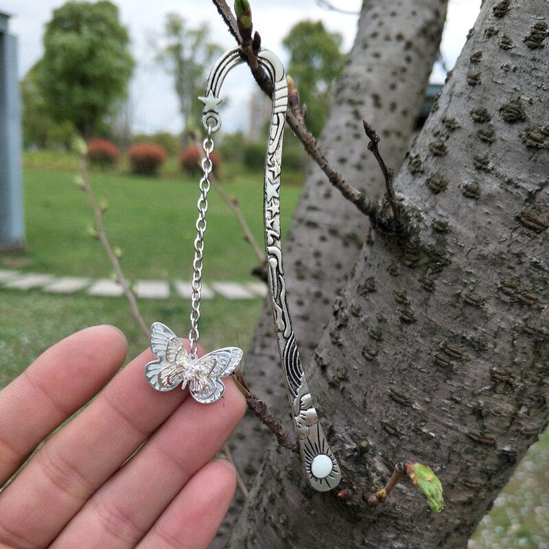 1 pz creativo carino farfalla metallo segnalibri luminosi Escolar Kawaii studente promozione regalo articoli di cancelleria