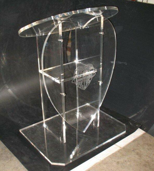 ¡Envío gratis! El Nuevo popular podio acrílico en forma de Corazón especial para bodas, púlpito de cristal orgánico para Iglesia