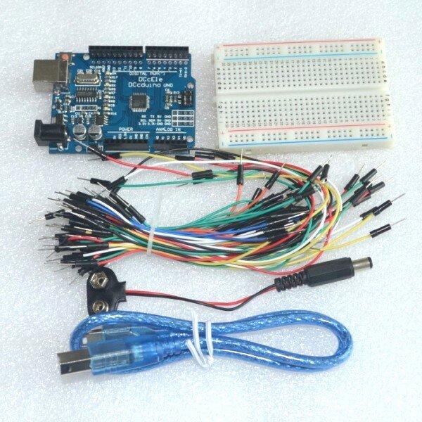 Kit de iniciación para Arduino Uno R3, paquete de 5 artículos: Uno R3, placa de pruebas, cables de puente, Cable USB y conector de batería de 9V