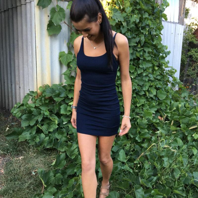 فستان نسائي عصري, فستان مثير مكشوف الظهر وبلا أكمام ، بأشرطة