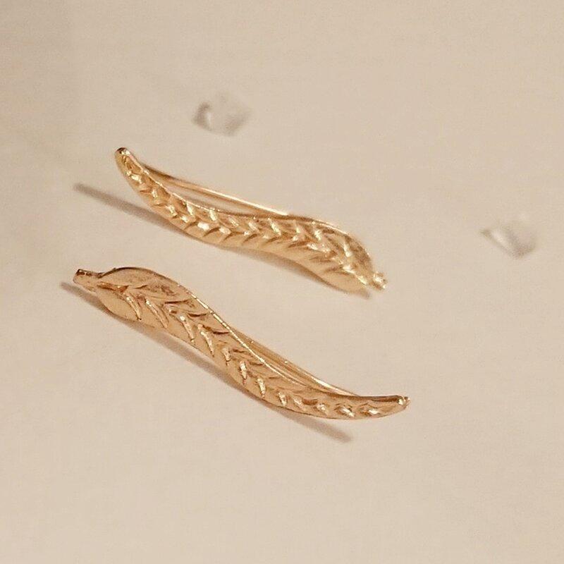KISSWIFE-أقراط على شكل أوراق شجر معدنية ، مجوهرات بسيطة ، لون ذهبي ، أساور