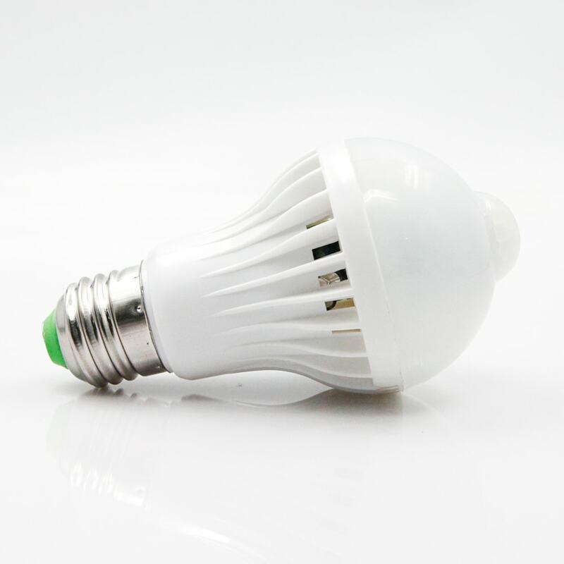 E27 HA CONDOTTO LA Lampada Della Lampadina PIR Luce del Sensore di Movimento 220V 5W 7W 9W Auto Intelligente PIR A Raggi Infrarossi corpo Lampada Con Il Sensore di Movimento Luci