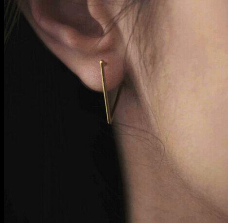 Timlee E029 جديد الشرير نمط كول التعاقد حساسة مثلث الهندسة الإناث الأذن أقراط مشبكية