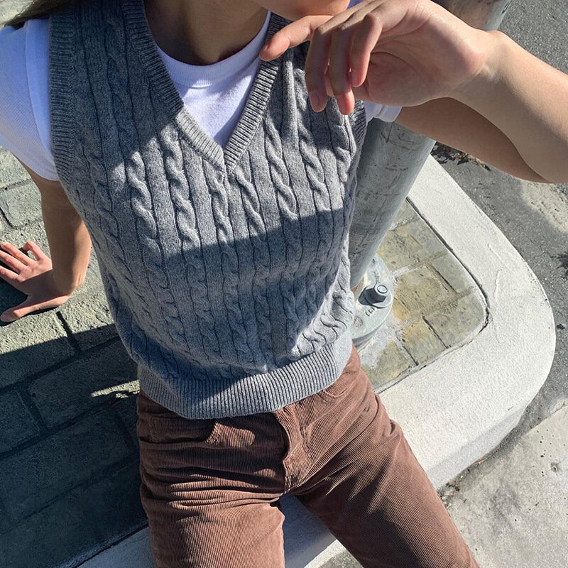 Muyogrt  V Neck Vintage Argyle Sweater Vest Women Black Sleeveless Plaid Knitted Crop Sweaters Casual Autumn Preppy Style
