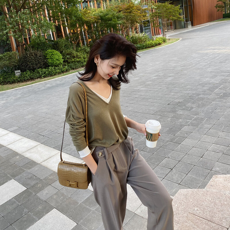 Autumn and Winter Loose Idle Style Draping V-neck T-shirt Thin Long Sleeve Pullover Temperament Fake Two-Piece Knitted Top for